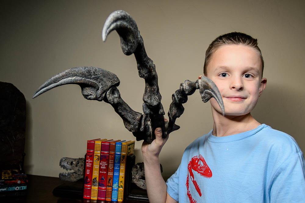 Fight between Allosaurus and Utahraptor called off in Legislature