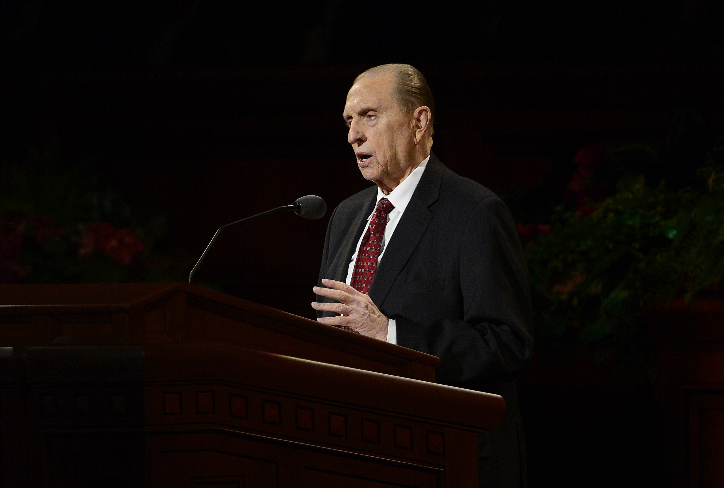 (Scott Sommerdorf   |  The Salt Lake Tribune) President Thomas S. Monson speaks at the 185th Semiannual General Conference, Sunday, October 4, 2015.