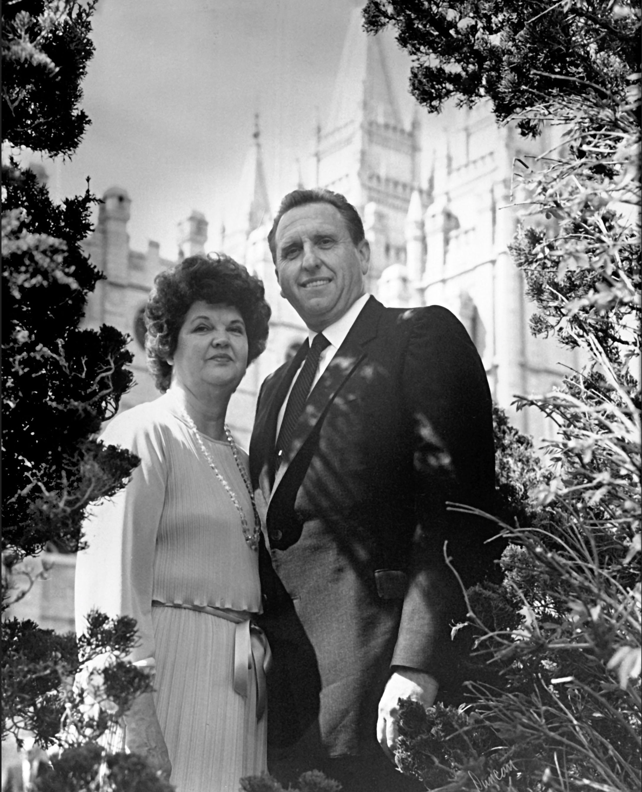 (Photo courtesy LDS Church) President Thomas S. Monson and his wife, Frances, in front of the Salt Lake Temple, where they married Oct. 7, 1948.