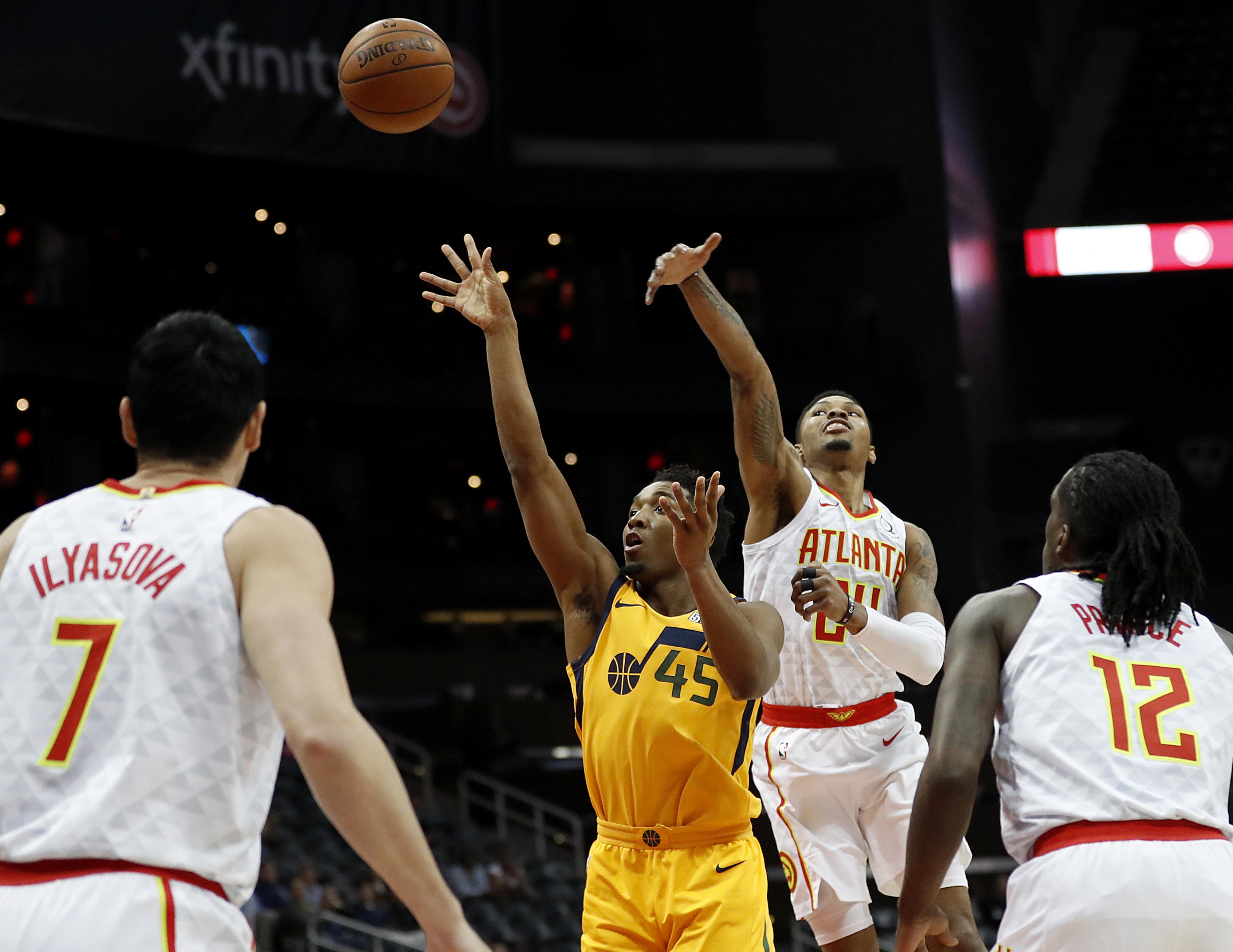 Jazz collapse in third quarter, fall to Atlanta 104-90