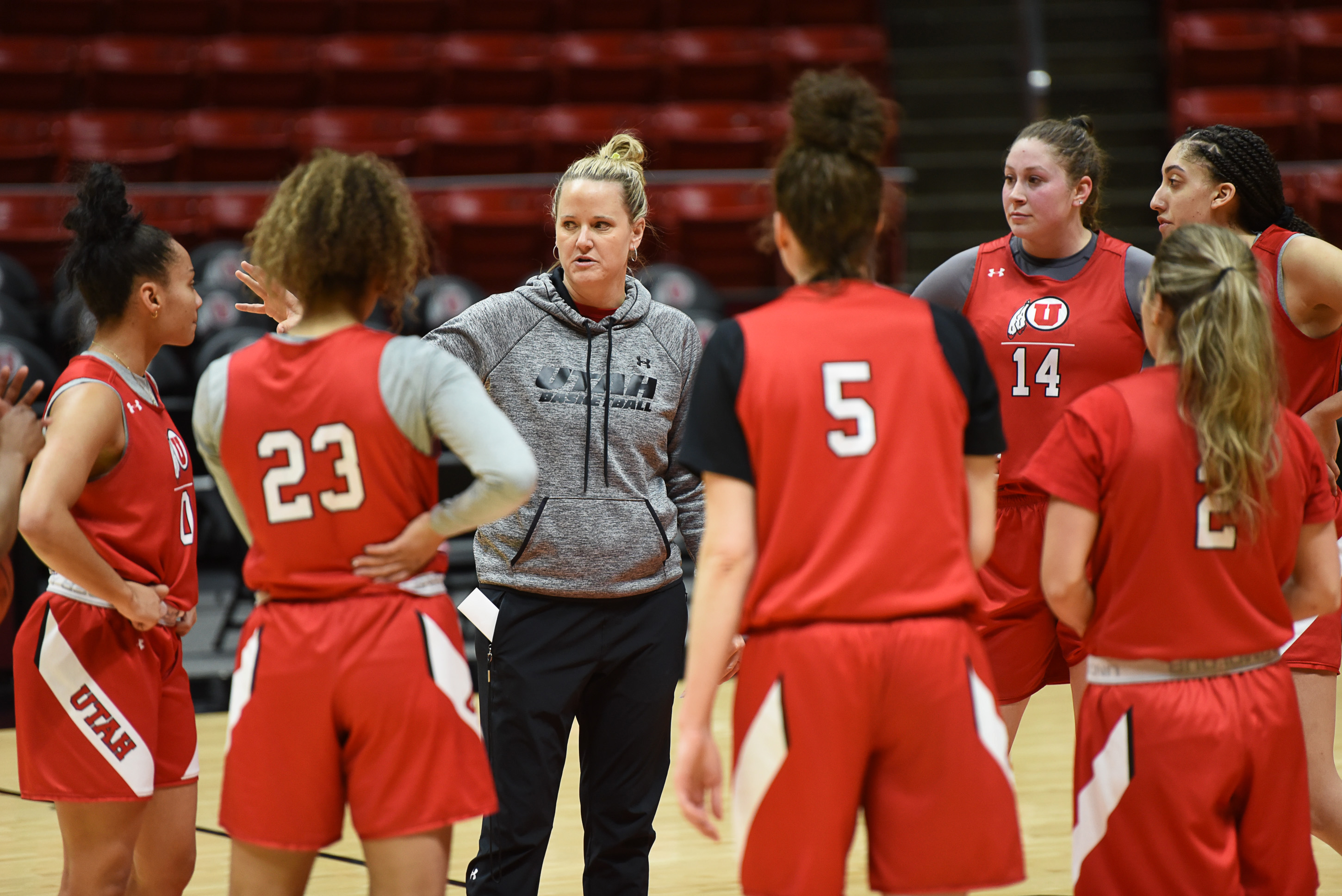 Monson: Utah women's basketball coach Lynne Roberts likes to win, but she
