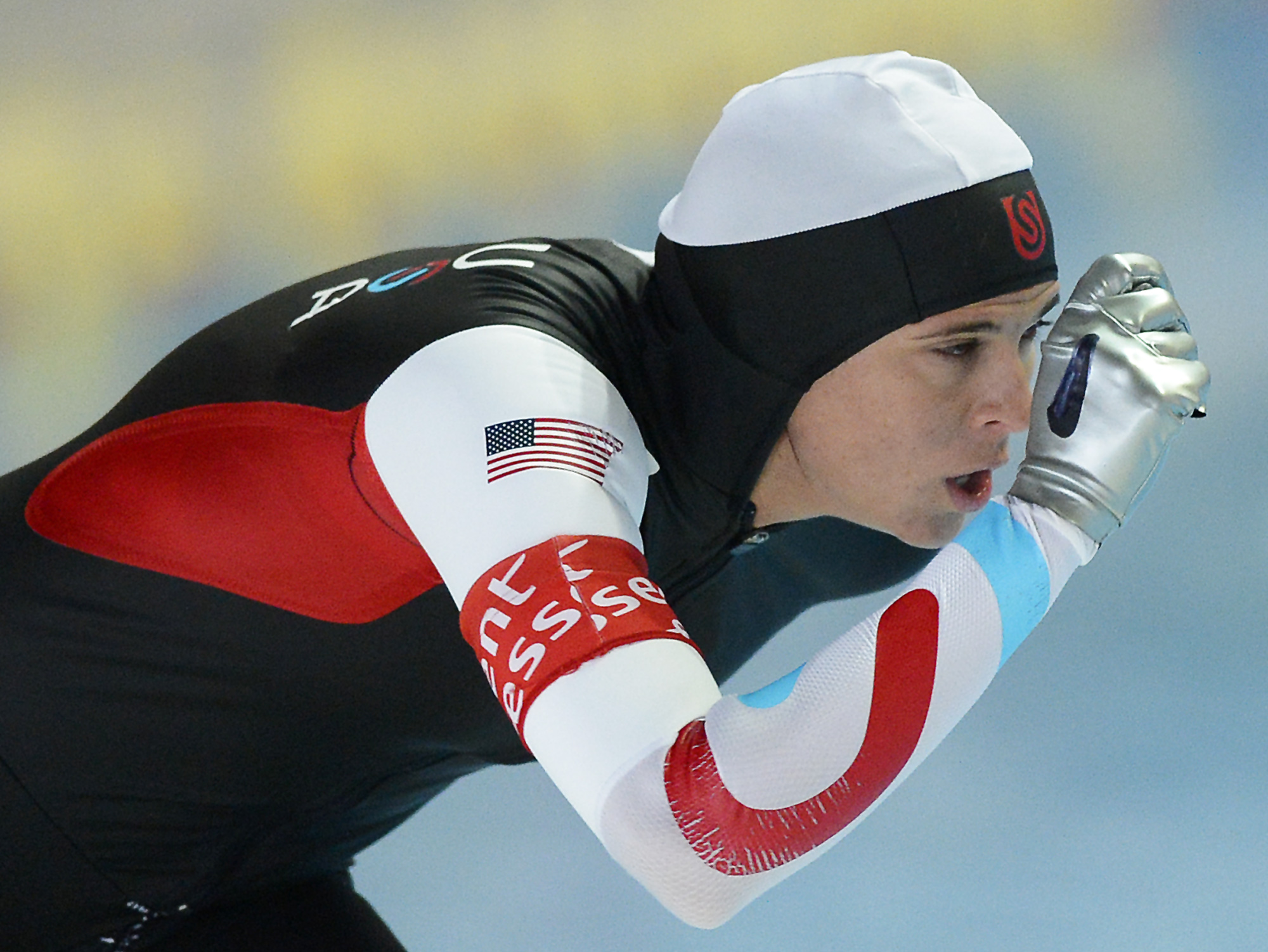 Winner Brittany Bowe of the US competes during the women's 1,000 meter distance at the Speed Skating World Cup in Erfurt, Germany, Sunday, March 3, 2013. (AP Photo/Jens Meyer)